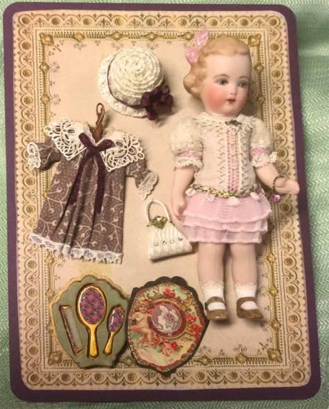 doll-presentation